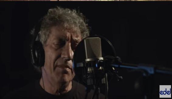No Logic Song, il nuovo video di Eugenio Bennato