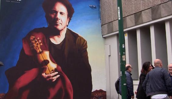 Inaugurato il murale di Enzo Avitabile