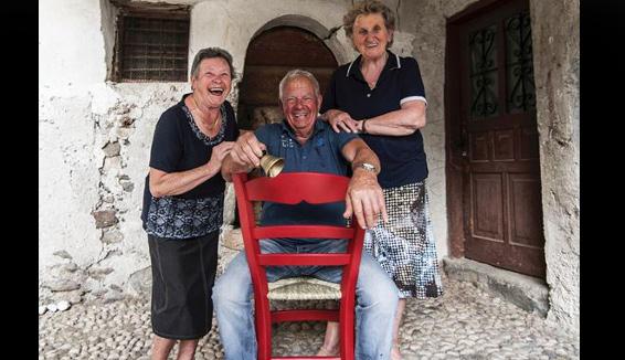Una sedia rossa e una campanella: il nuovo modo di scoprire il borgo