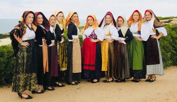 Is Campidanesas: il gruppo folk tutto al femminile