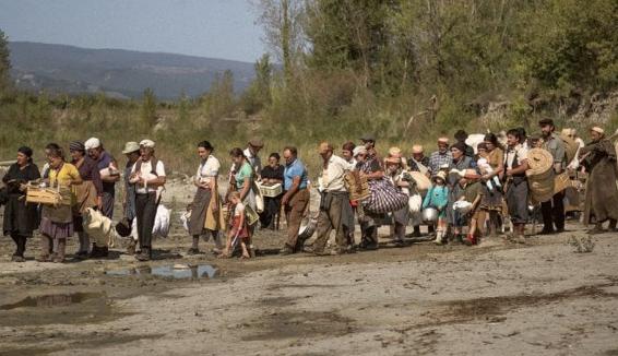 I 54 Contadini dell'Inviolata protagonisti del film Lazzaro Felice