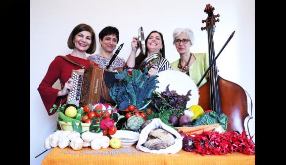 A Fuoco Lento è l'album d'esordio dell'ensemble femminile La Banda della Ricetta