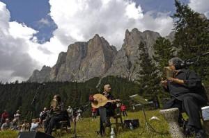 Su musica popolare italiana i Suoni delle Dolomiti