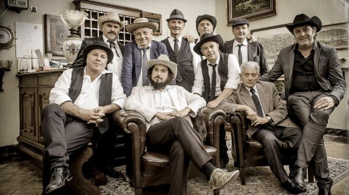 Su musica popolare italiana Vinicio Capossela e la banda della posta