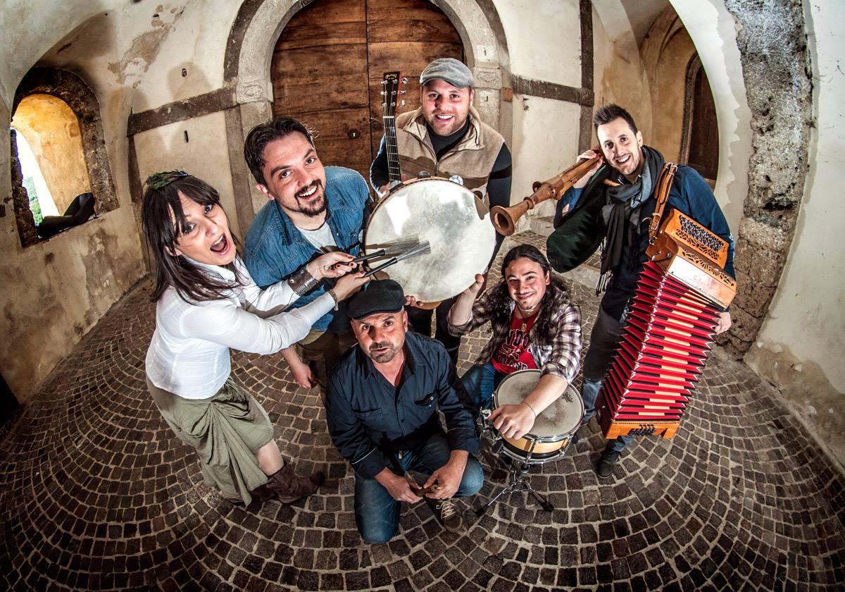 IL gruppo Patrios su Musica Popolare Italiana