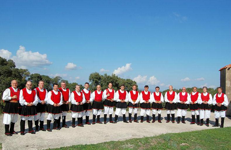Coro di Usini su Musica Popolare Italiana