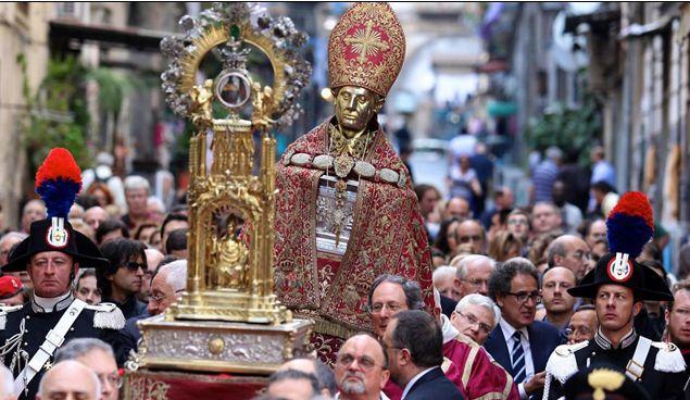 Napoli in festa per San Gennaro