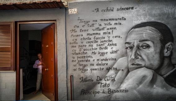 Napoli: il vicolo di Totò ai quartieri spagnoli
