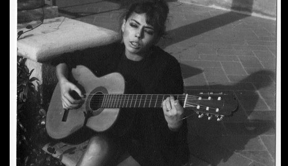 Caterina Bueno: il docufilm sulla cantante che ha riscoperto la canzone popolare