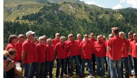50 anni del Coro Croz Corona: la colonna sonora dei canti popolari di montagna
