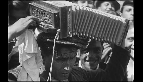 Tempo al tempo: Le musiche popolari italiane e la magia dell'Archivio Luce