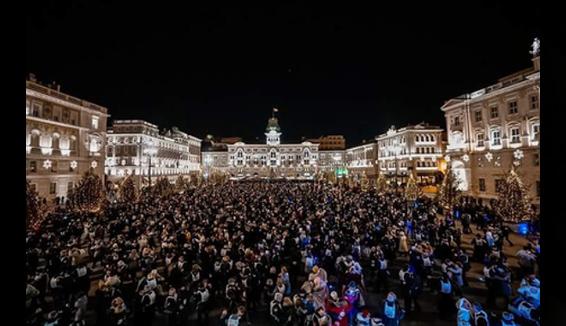 Il valzer più grande del mondo a Trieste, record raggiunto